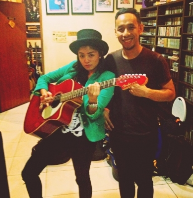 Tika Ramlan Kerja Bareng Pongki Barata Untuk Album Solo