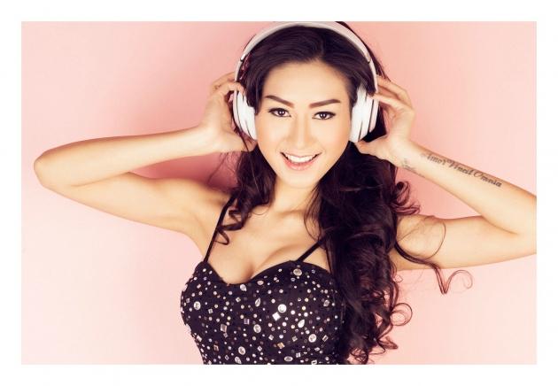 Kenalan Sama Rizuka Amor, DJ Cantik dan Seksi yang Pintar Nyanyi