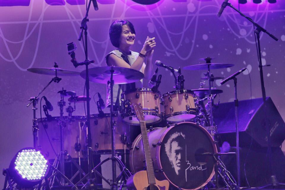 Jeane Phialsa, Cerita Session Player Sampai Album The Moment With You